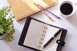 手帳はシステム手帳で自分なりのオリジナルなものを作ってみては!