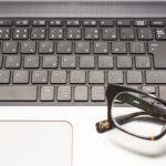 パソコン用メガネは効果はあるのか?ブルーライトについて簡単に解説!