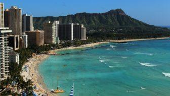 年末年始のハワイ旅行はいくらぐらいするのか?お得な日は?